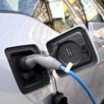 AFM anunță noi finanțări ale programelor dedicate electromobilității și iluminatului public